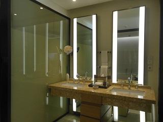 リッツカールトン・バリ ジュニアスイートwithプールアクセス バスルーム