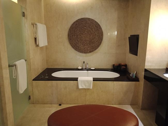 コンラッドバリ コンラッドスイート バスルーム