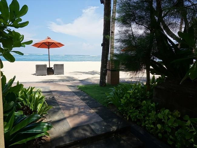 ザ・セントレジス バリ リゾート ストランドヴィラ プライベートビーチ