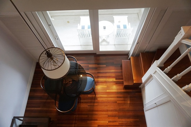 インターコンチネンタルバリリゾート デュプレックススイート 2階から1階を覘く