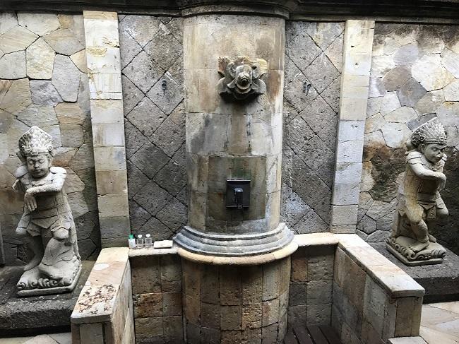 メリア・バリ ガーデンヴィラ 屋外のシャワールーム