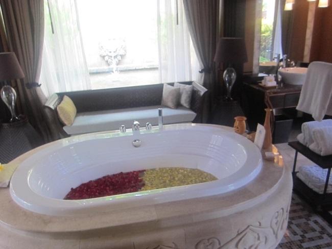 ザ・ヴィラズ・アット・アヤナ・リゾート・バリ 1ベットオーシャンビュープールヴィラ バスルーム