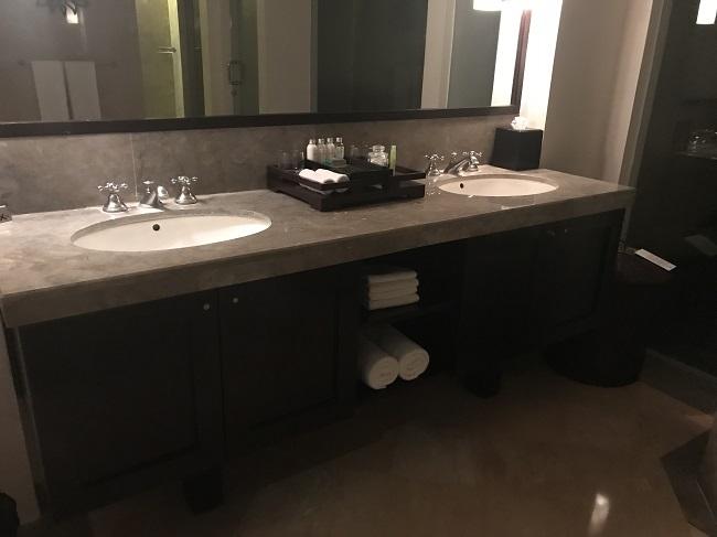 ヴィラ アイルバリ ブティック リゾート ガーデンプールヴィラ2ベッドルーム 洗面台