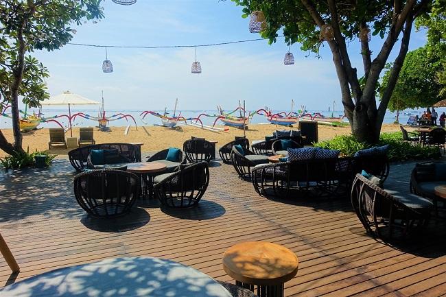 ハイアット リージェンシー バリ Pizzaria ビーチ沿いの屋外席