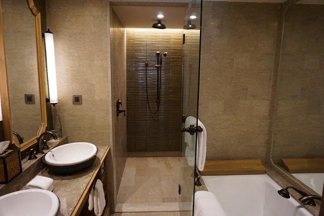 ハイアット リージェンシー バリ プレミアムルーム バスルーム