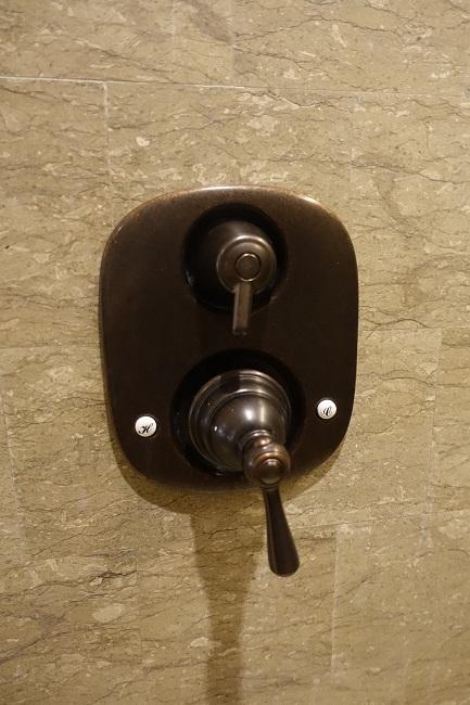 ハイアット リージェンシー バリ プレミアムルーム おしゃれなシャワーの蛇口