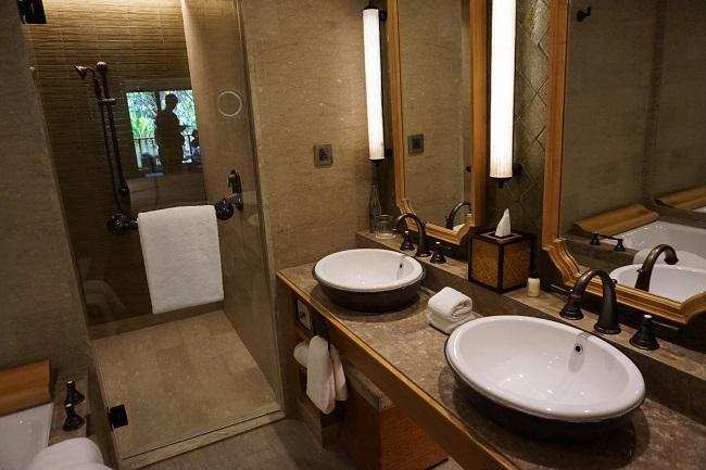 ハイアット リージェンシー バリ デラックスルーム 洗面台