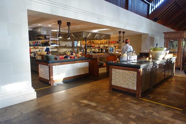 ハイアット リージェンシー バリ オマンオマンレストラン オープンキッチン