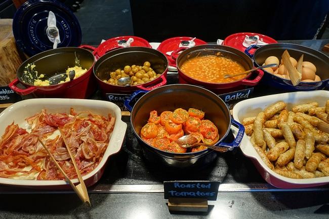 ハイアット リージェンシー バリ オマンオマンレストラン インターナショナル料理のブース