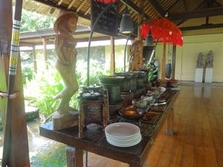 フォーシーズンズリゾートバリ アット ジンバランベイ タマンワンティラン 朝食