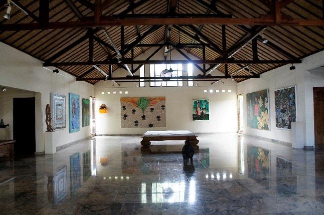 コマネカ アット モンキーフォレスト コマネカ・ファイン・アート・ギャラリー 室内-3