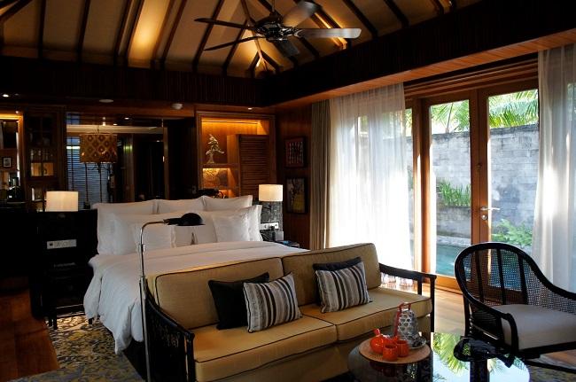 インディゴ スミニャック ビーチ 1ベッドルームプールヴィラ ベッドルーム