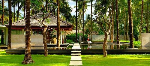 Kayumanis-Jimbaran-Bali-Lobby-Garden.jpg